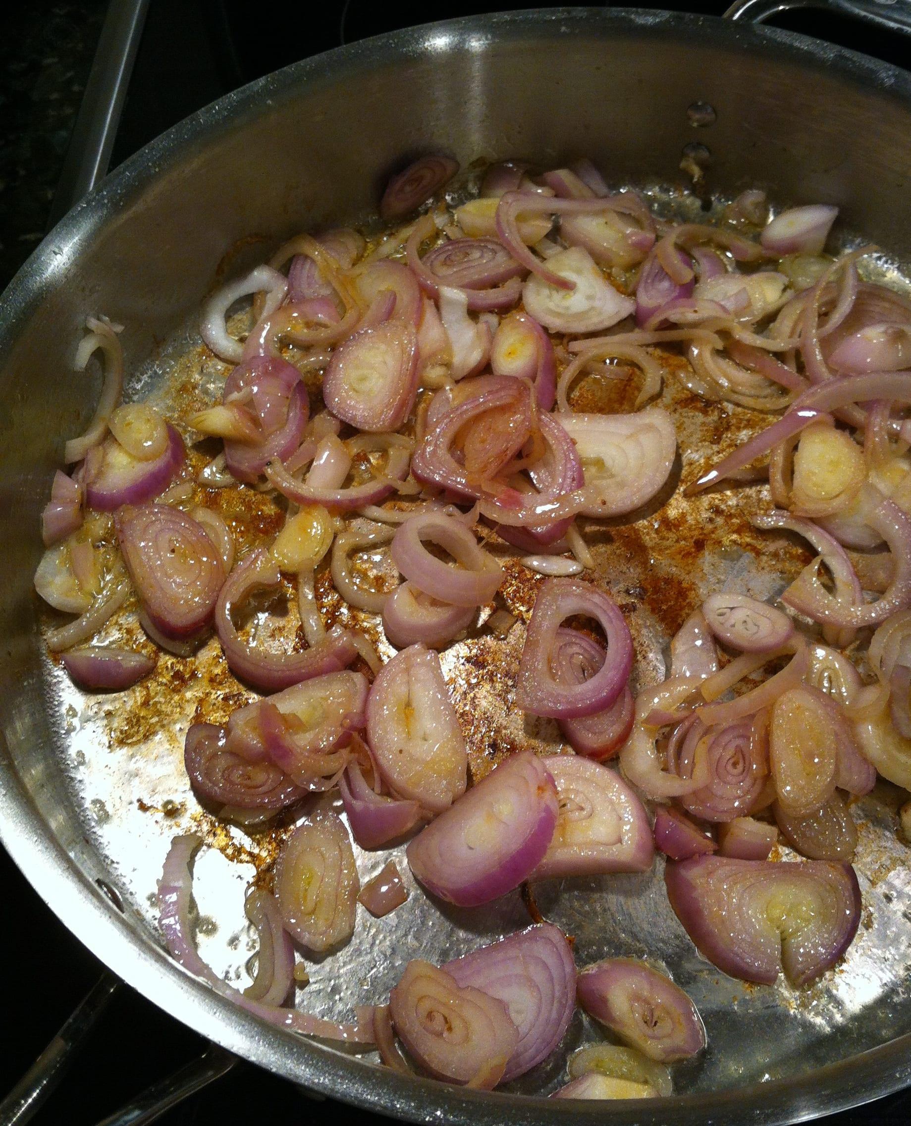 shallots cooking