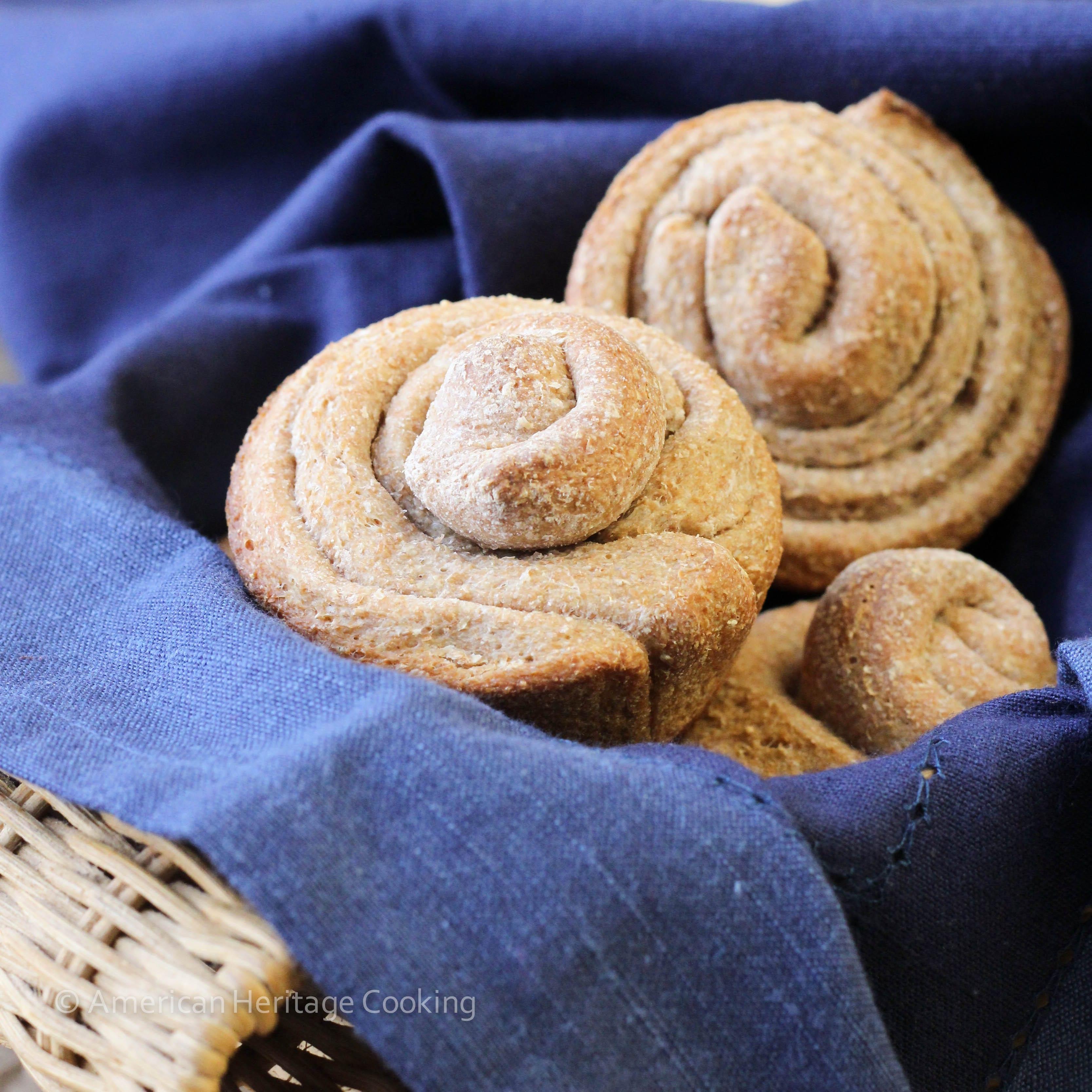 Hone Whole Wheat Buttermilk Rolls