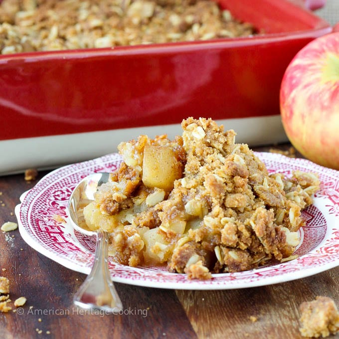 Mom's Brown Sugar Apple Crisp | An easy, family recipe for the best apple crisp! Try it for dessert tonight!
