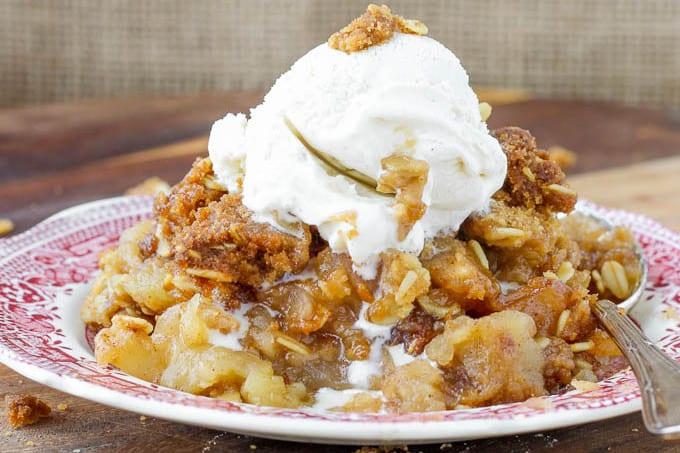 Moms-Brown-Sugar-Apple-Crisp-1410133825