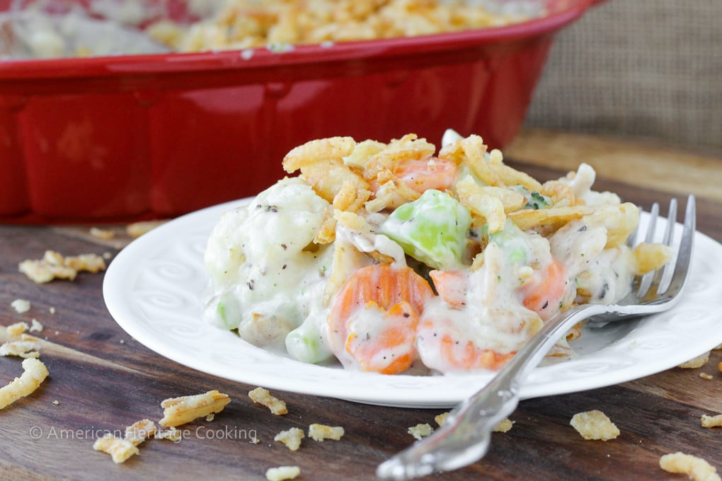 Creamy Swiss Cheese Mixed Vegetable Casserole takes just 5 minutes to prepare and only 5 ingredients! So creamy, cheesy and delicious!