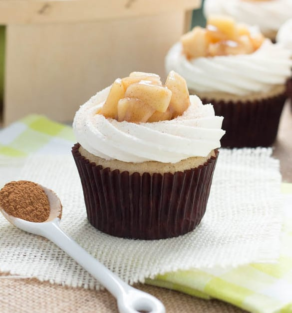 Spoonful of Flavor Apple_Pie-Cupcakes-with-Vanilla_bean-Frosting