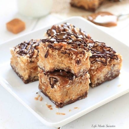 These No Bake Samoa Peanut Butter Bars have everything you love about Samoa Girl Scout Cookies plus peanut butter!